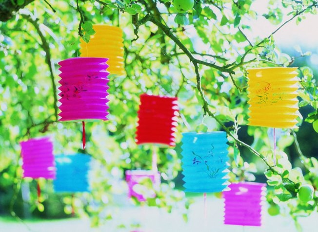 Brightly Colored Paper Lanterns Lend Lots of Style