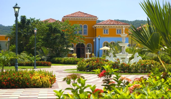 Sandals WhiteHouse to Close