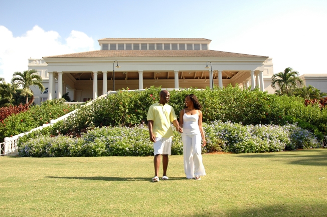 Ritz Carlton Montego Bay is the Perfect Setting for this Elegant Couple