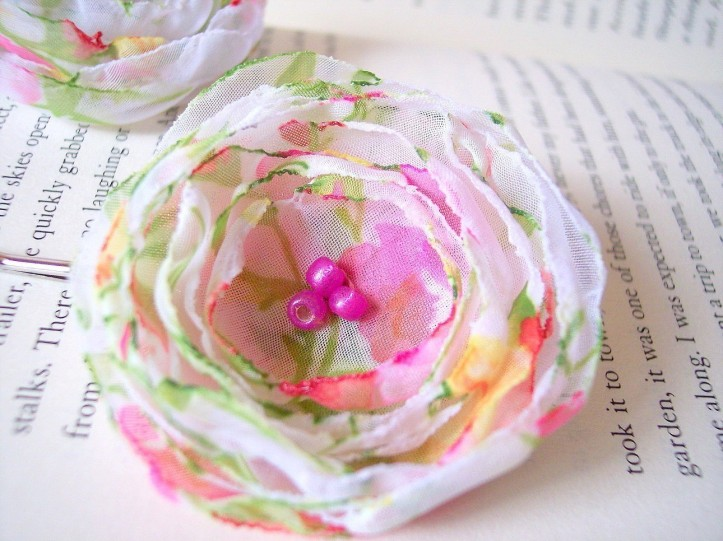 Handmade bobby pin with chiffon flower by Jujas Craft Shop