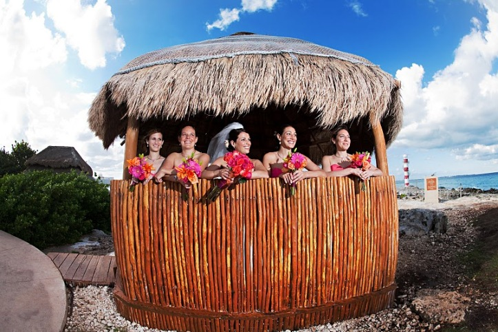 Tiki Hut Provides Perfect Setting for Photo Op