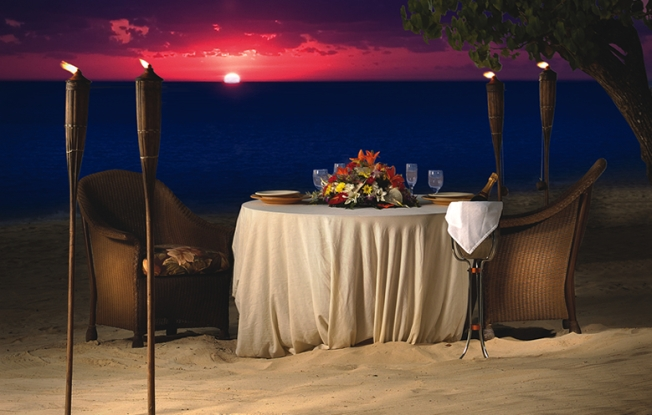 Intimate Dinner Set-up at Moon Dance Villa