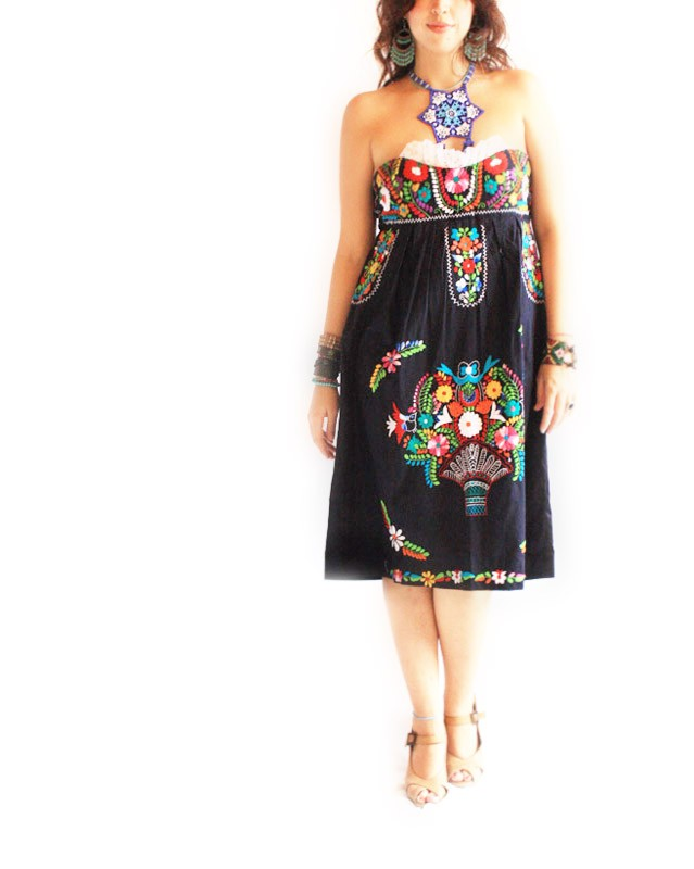 Fridita Tehuana Vintage Mexican Embroidered Sweetheart Strapless Dress