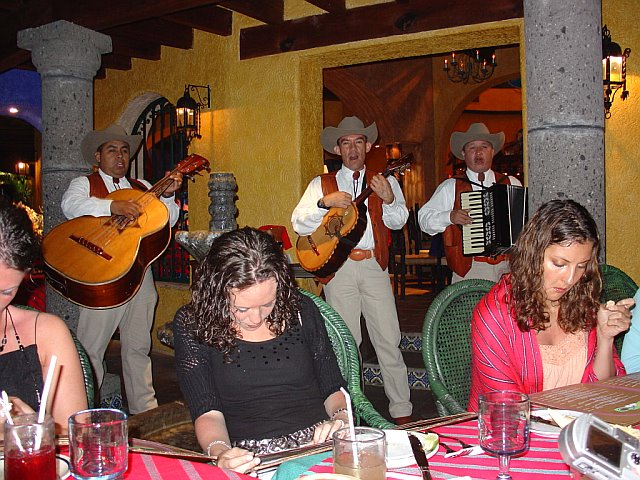 Guest Enjoy the Rehersal Dinner at Maria Bonita