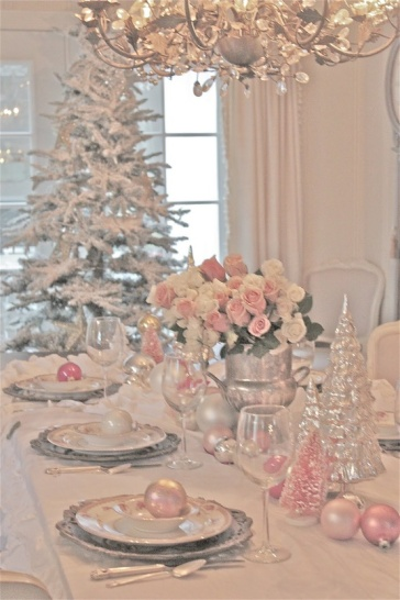 Pastel color palette for a christmas destination wedding for Christmas tree with red and silver decorations