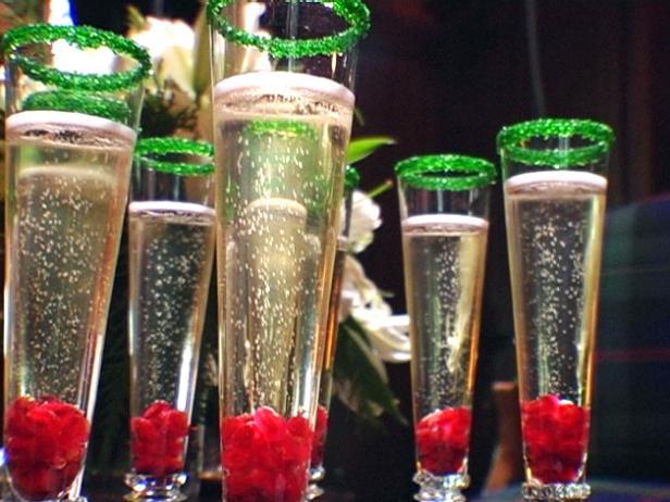 HCHOL_festive-drinks_s4x3.jpg.rend.hgtvcom.616.462