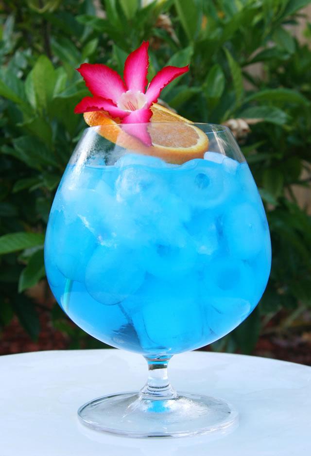 Blue-Ocean-cocktail
