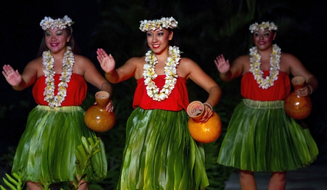 three-hula-dancers