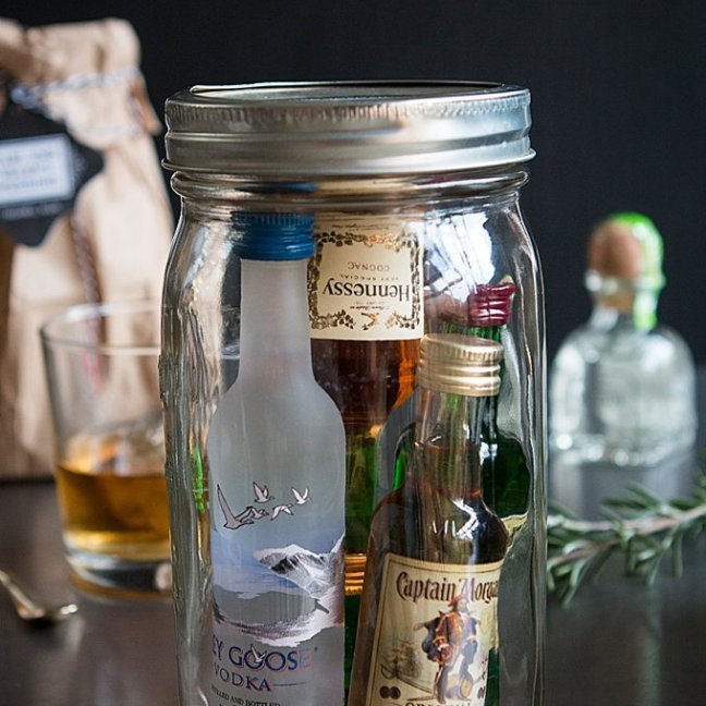 Minibar-in-a-Jar-Groomsman-Gifts_0003 (1)